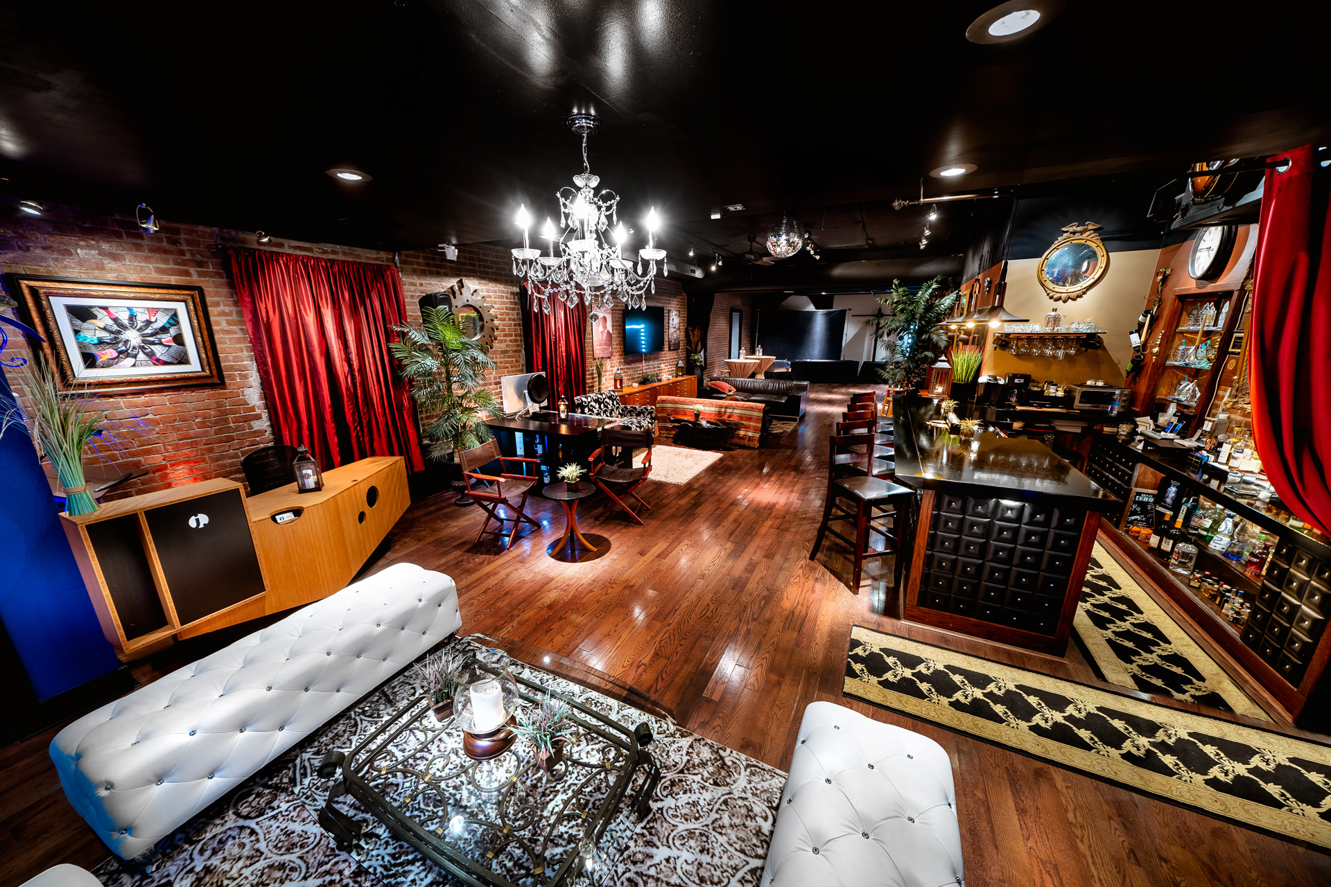 Hudson Valley Private Lounge: The Darkroom
